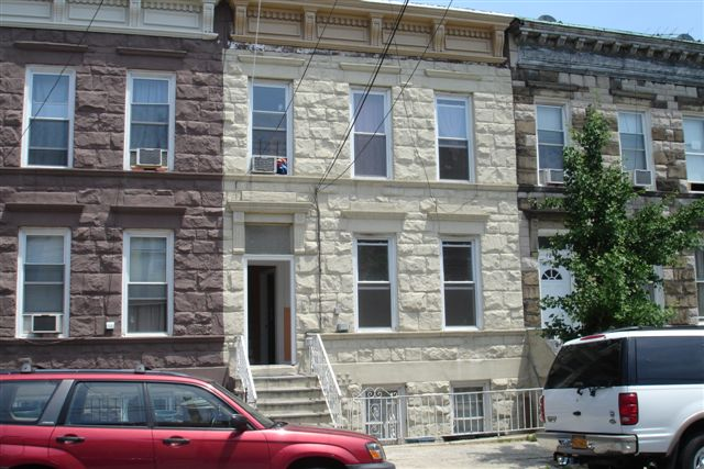 ASTORIA, NY 9 Rooms 3 Families, Colonial (4 bed. 3 bath.)